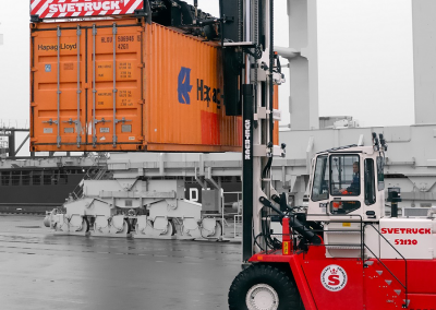 movimentazione container svetruck